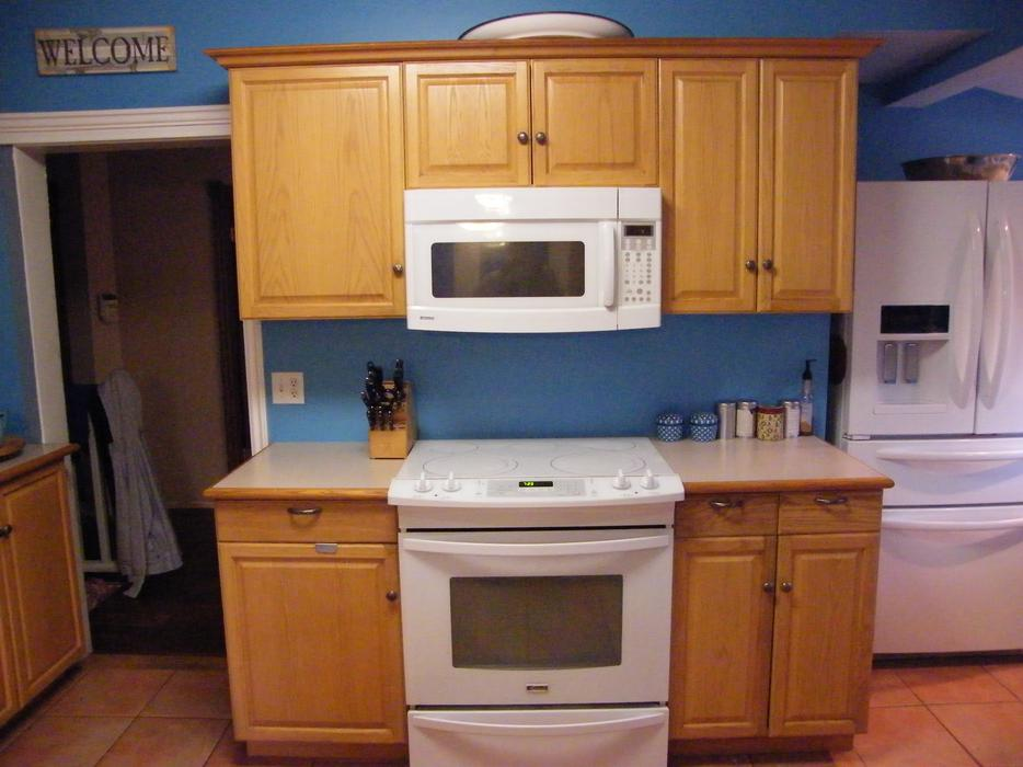 Kitchen cabinets saanich victoria mobile for Kitchen cabinets kamloops