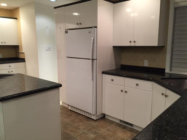 Kitchen cabinets saanich victoria for Kitchen cabinets kamloops