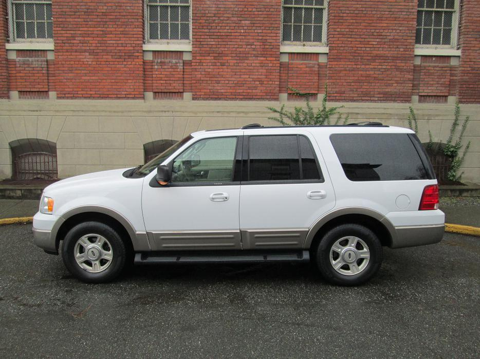 2003 ford expedition 4x4 on sale eddie bauer local vehicle no accidents outside nanaimo. Black Bedroom Furniture Sets. Home Design Ideas