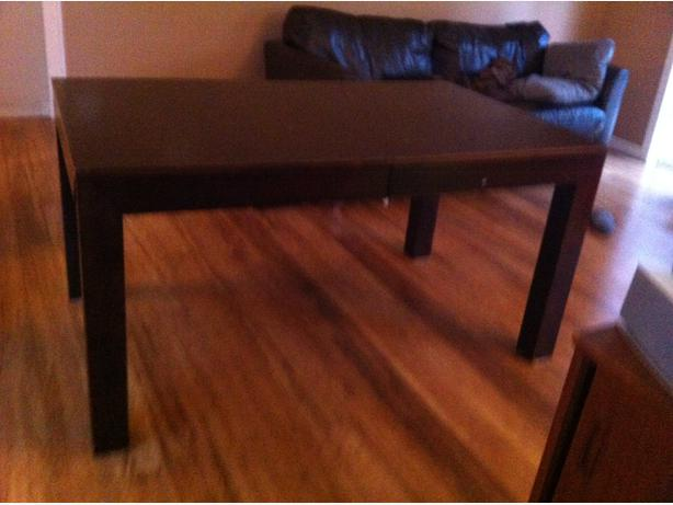 Dining room table saanich victoria for 5ft dining room table