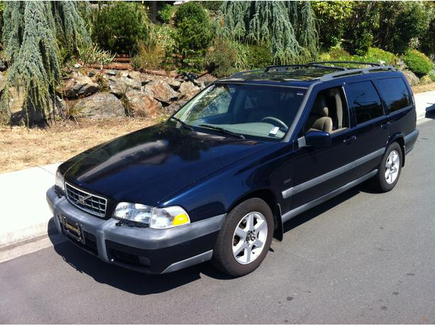 1998 volvo v70 xc awd 7 seat wagon victoria city victoria. Black Bedroom Furniture Sets. Home Design Ideas