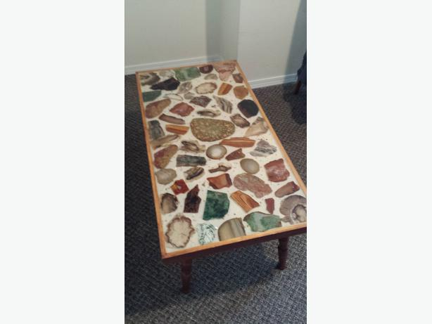 Stunning Rock Quartz Geode coffee table - Stunning Rock Quartz Geode Coffee Table Victoria City, Victoria