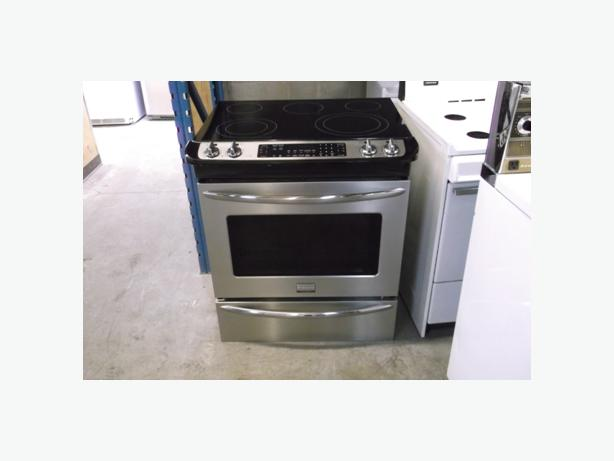 cuisiniere encastre slide in stove montreal montreal. Black Bedroom Furniture Sets. Home Design Ideas