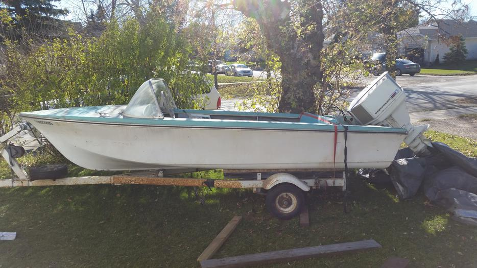 1980 16ft Chrysler Fiberglass Boat Other South