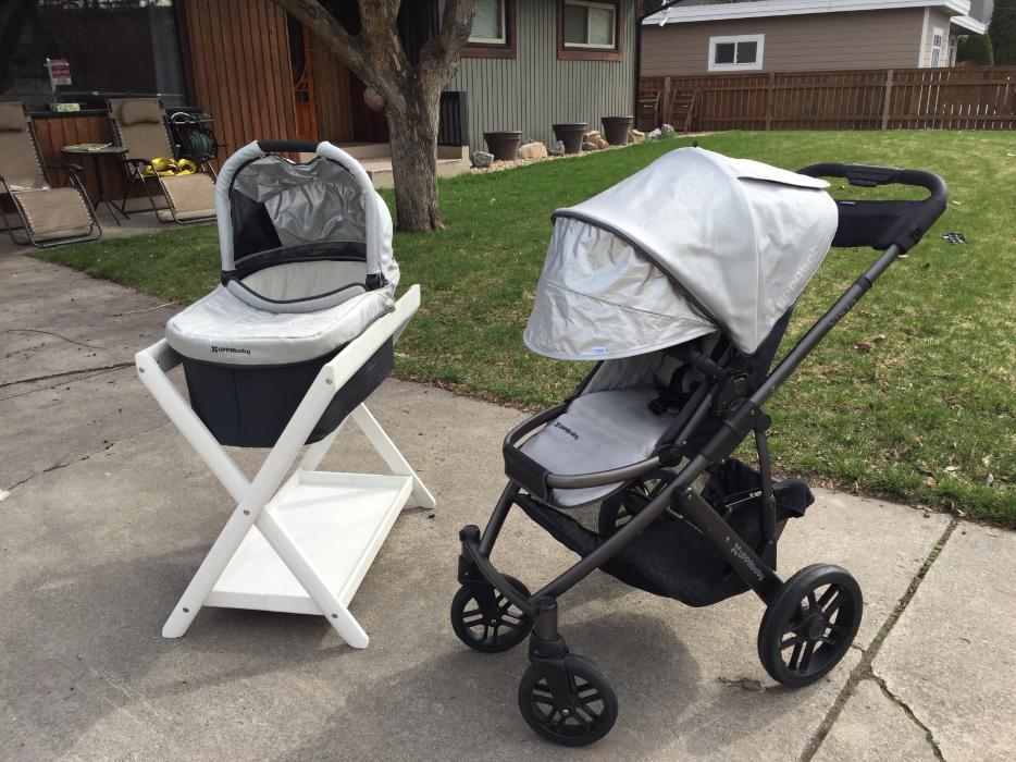 2013 Uppababy Vista stroller and bassinet with accesories ...