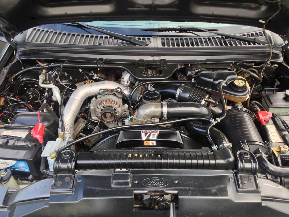 2004 Ford F350 Super Duty  Lariat  Crew Cab 4wd  6 0l Power Stroke Turbo Diesel Outside Alberni