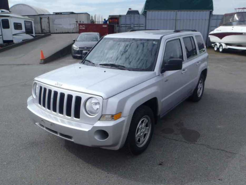 2010 jeep patriot outside okanagan okanagan mobile. Black Bedroom Furniture Sets. Home Design Ideas