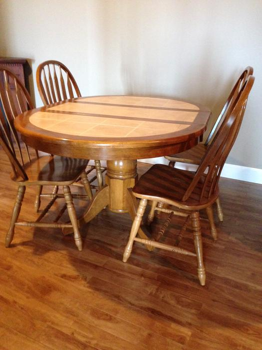 Dining table and chairs queens county pei