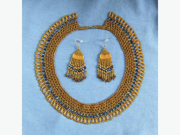 19 inch beaded Collar Necklace with earrings