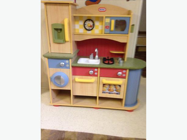 Little Tikes Cookin Creations Wood Kitchen