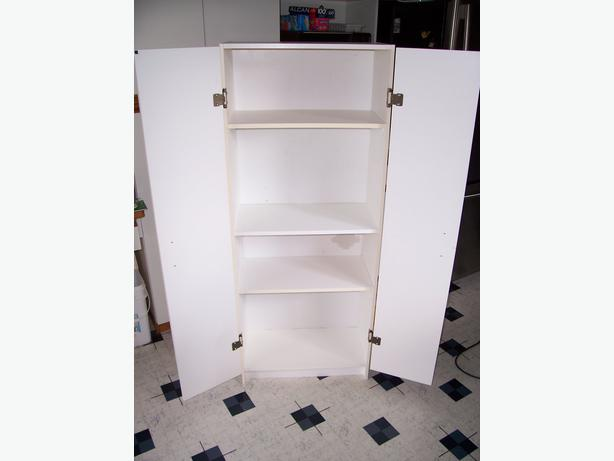 Portable Pantry Cabinet : Portable pantry storage cabinet maple bay cowichan
