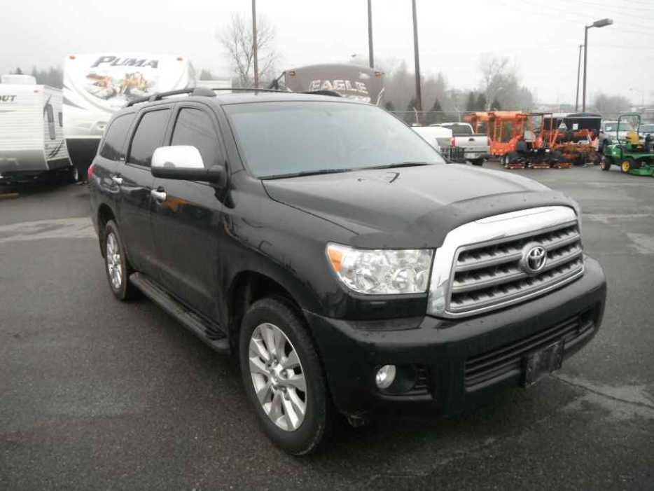 2012 toyota sequoia outside comox valley courtenay comox mobile. Black Bedroom Furniture Sets. Home Design Ideas