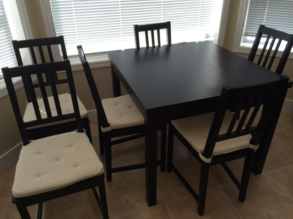 Ikea bjursta dining table oak bay victoria for Chaise noir en bois