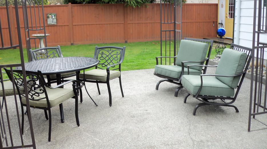 Lazy boy patio set parksville nanaimo mobile for Outdoor furniture kelowna