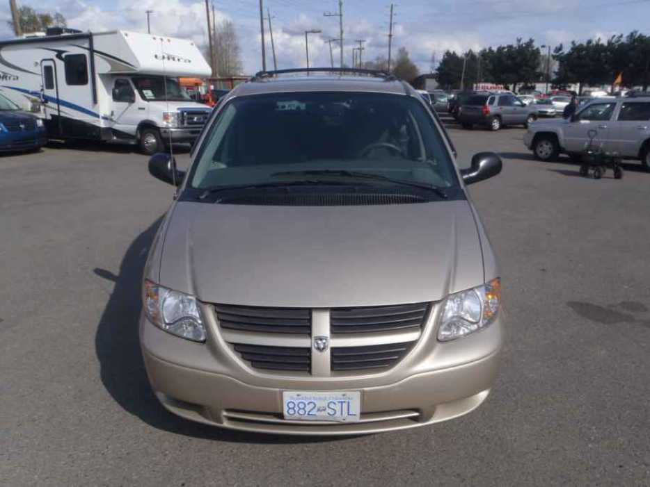 2005 dodge caravan outside comox valley courtenay comox. Black Bedroom Furniture Sets. Home Design Ideas