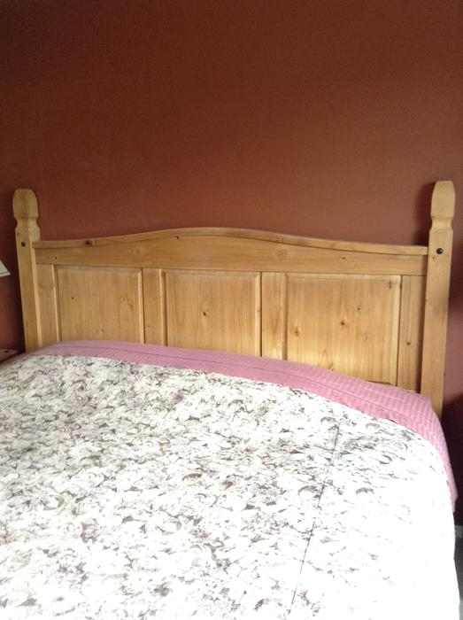 Pier 1 Imports King Size Bedroom Set Saanich Victoria