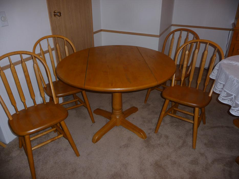 5 Piece Solid Wood Dinette Set Includes 4 Chairs Central