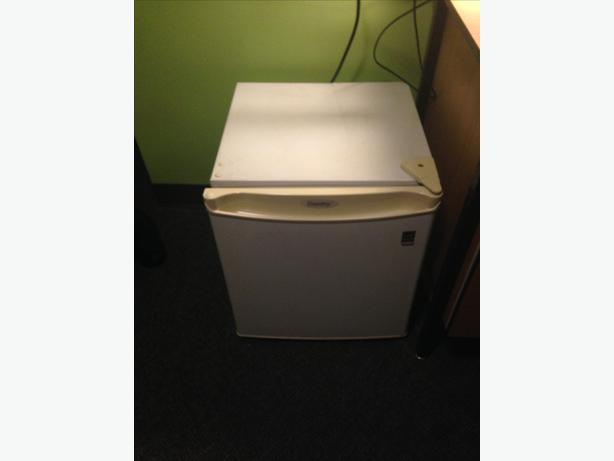used white danby mini fridge - Danby Mini Fridge