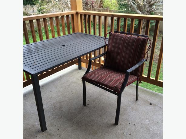 6 Chairs Table Patio Set With New Cushions Outside Comox