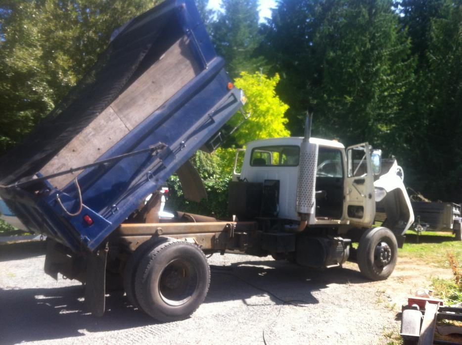 Maple Ridge Dump >> Ford L8000 dump truck, hydraulic brakes Parksville, Nanaimo