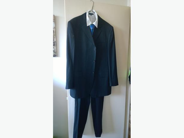 Men's 2 piece  suit plus tie