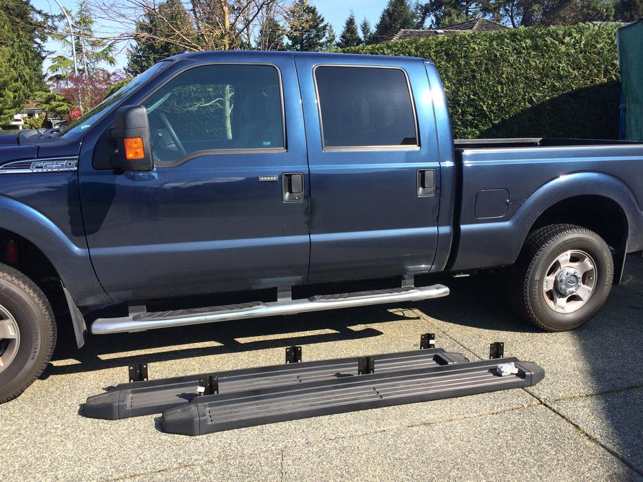 2015 Ford Super Duty Crew Cab Running Boards North