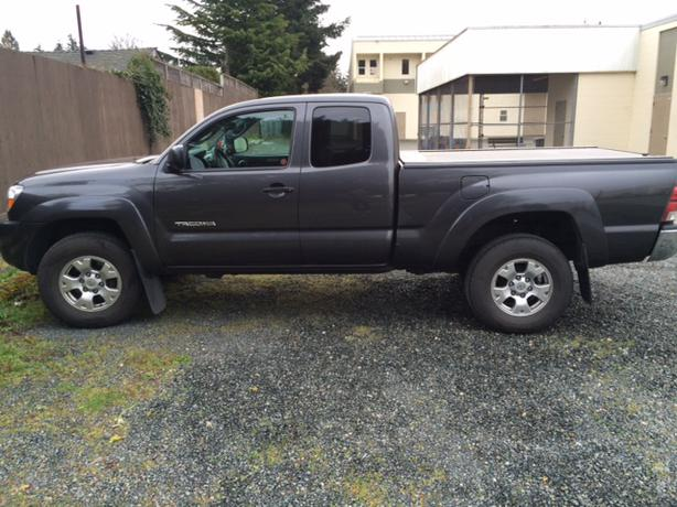 2010 toyota tacoma sr5 access cab 4x4 for sale low km 39 s west shore langford colwood metchosin. Black Bedroom Furniture Sets. Home Design Ideas