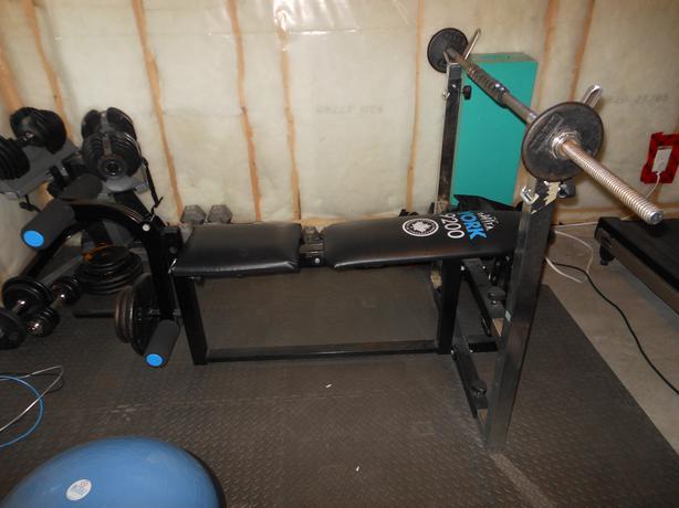 York 9200 Adjustable Weight Bench 2 Bars Weights Rural Regina Regina
