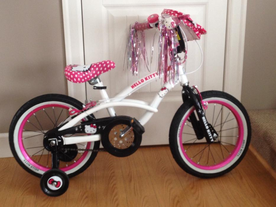 like new condiion hello kitty 16 bike with trainingwheels. Black Bedroom Furniture Sets. Home Design Ideas