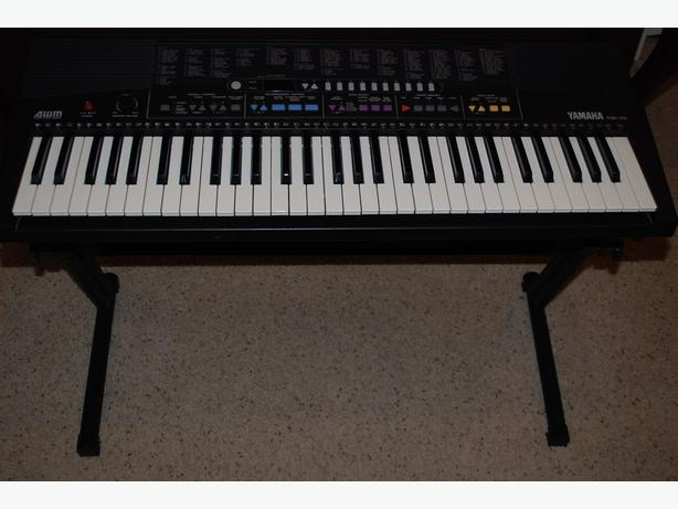 Yamaha Psr 210 Keyboard With Adjustable Stand Outside