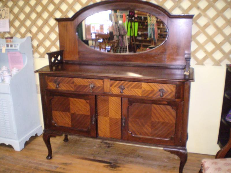 ANTIQUE HOME DECOR STORE NOW CLOSED INVENTORY CLEAR OUT