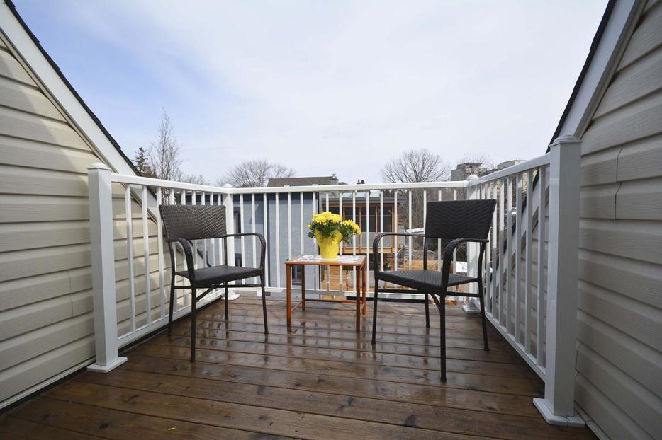 Sold stylish urban town home 7 bertrand new edinburgh for 7 summerland terrace