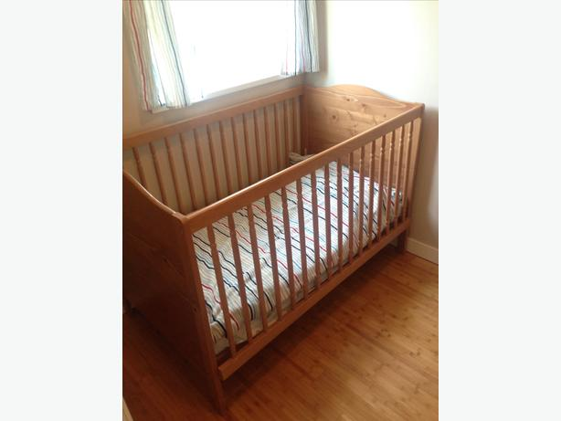 ikea convertible crib toddler bed saanich victoria