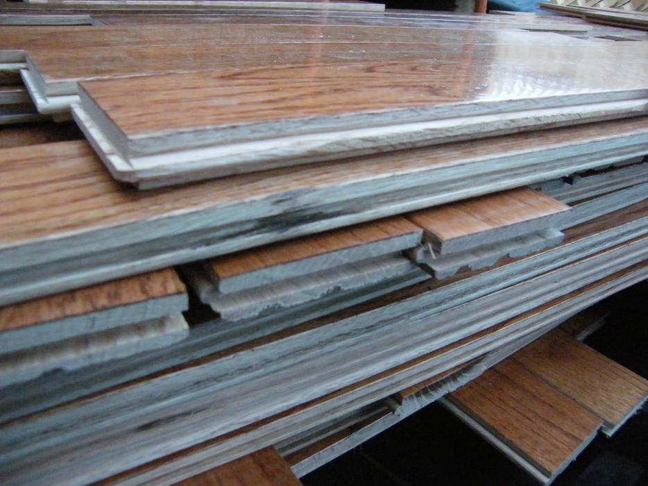 1000 39 square feet of hardwood flooring victoria city victoria for Hardwood floors 1000 square feet