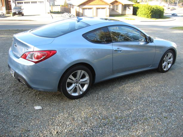 2010 hyundai genesis 2 door coupe outside comox valley campbell river mobile. Black Bedroom Furniture Sets. Home Design Ideas