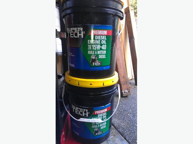 Two Pails 15 40 Hd Diesel Motor Oil Duncan Cowichan