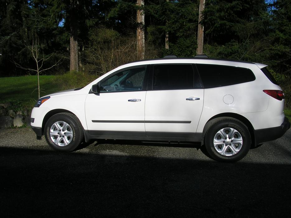 2011 Chevrolet Traverse Ls Awd Outside Victoria  Victoria