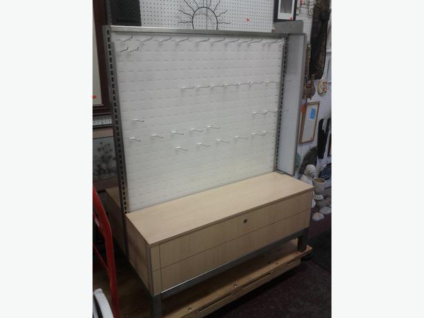 commercial displays outside nanaimo nanaimo mobile. Black Bedroom Furniture Sets. Home Design Ideas