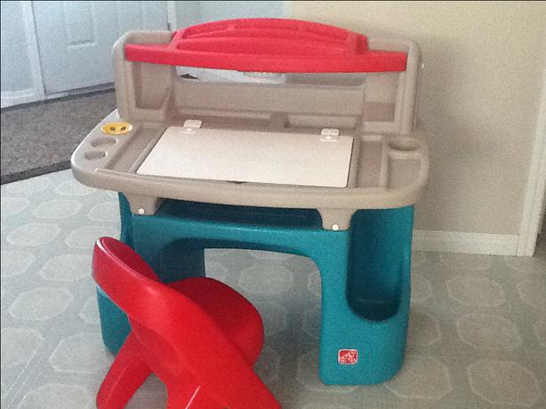 Little Tikes Step 2 Desk North Regina Regina