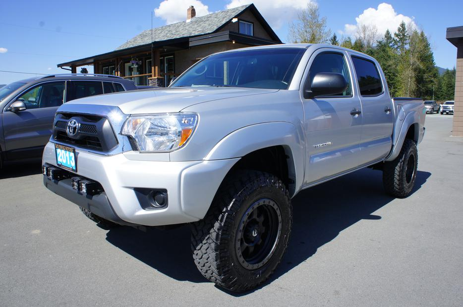 2013 Toyota Tacoma Double Cab 4x4 Like New We Finance Outside Victoria Victoria