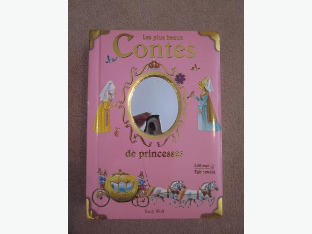 """Livre """"Les plus beaux contes de princesses"""""""