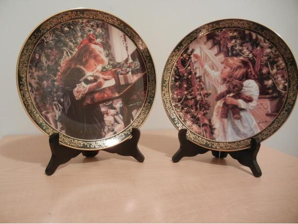 'Victorian Christmas' Collection LOT of 2 Porcelain Plates by Sandra Kuck