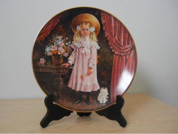 'Victoria' by Stewart Sherwood Porcelain Plate