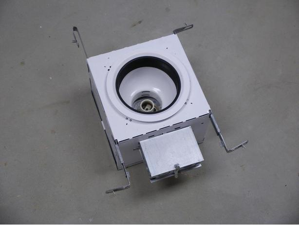 Recessed light housing