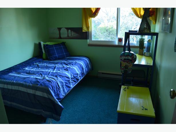 Small 3 Quarter Beds : European small double or three quarter bed esquimalt