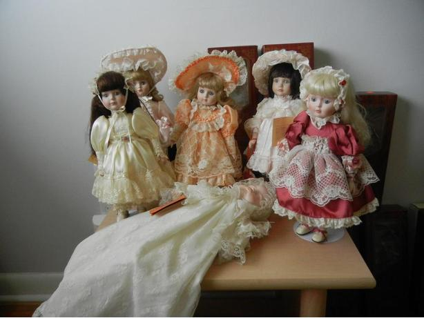 ARTISAN Musical Porcelain Dolls LOT of 9 Limited Edition Vintage Music Box Dolls