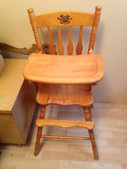 Colonial Wooden High Chair Maple Ridge Incl Pitt Meadows