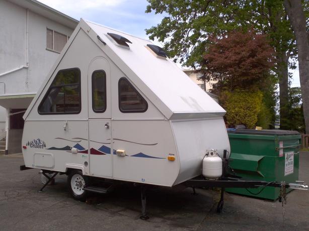 2004 Chalet Alpine Hard wall Folding Travel trailer