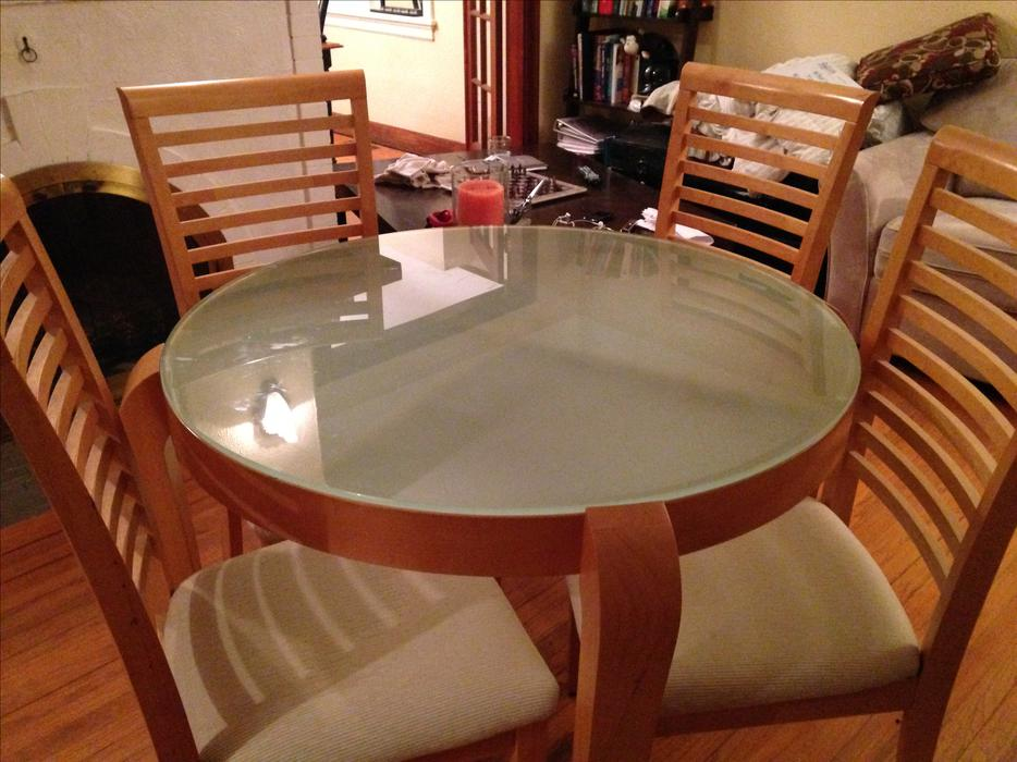 Dining room table set victoria city victoria for Dining room tables victoria