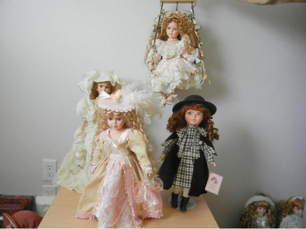 TRADITIONS Collection LOT of 4 Vintage Porcelain Dolls